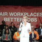 在加拿大一年能賺多少錢呢?加拿大安省長宣布,2018年最低時薪調至$14,2019年可達$15